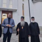 Председник Вучић се поклонио моштима Светог кнеза Лазара у Раваници